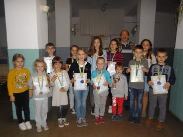 Шахово-шашковий клуб «Вікторія» здобув призові місця на обласному турнірі з шашок-64 «Надії Карпат»